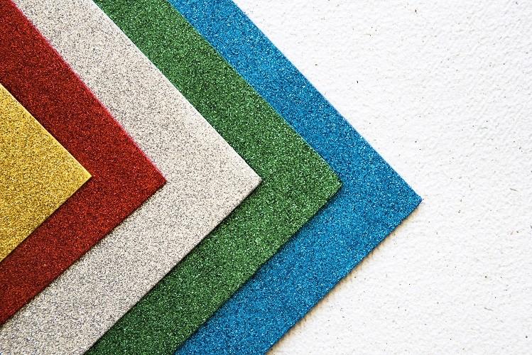 Druk sublimacyjny na materiale typu wykładzina dywanowa. Cięcie wykładziny.