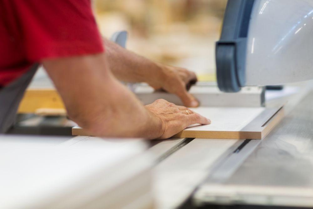 Frezowania frontów meblowe MDF oraz panele dekoracyjne.  Formatki na potrzeby usług stolarskich.