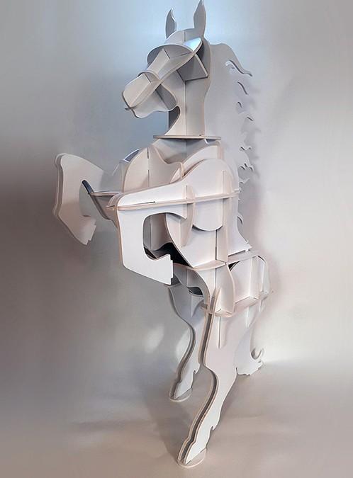 Figury przestrzenne wycinane ze staduru, łączone elementy.